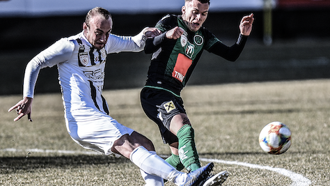 FC Juniors OÖ verloren bei Schweinsteiger-Debüt